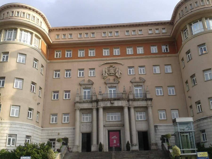 Vista de la entrada al Antiguo Seminario de Derio