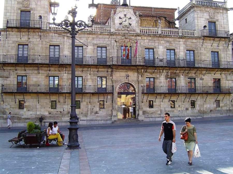 Vista frontal del Antiguo Ayuntamiento