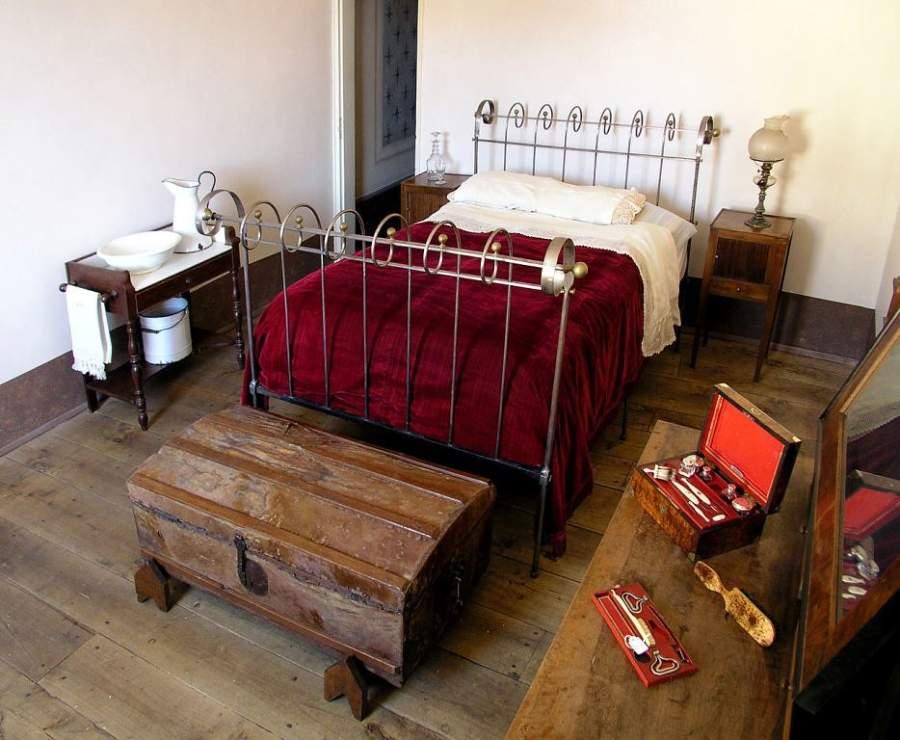 Muebles del siglo XIX en el Museo Sierra Pambley