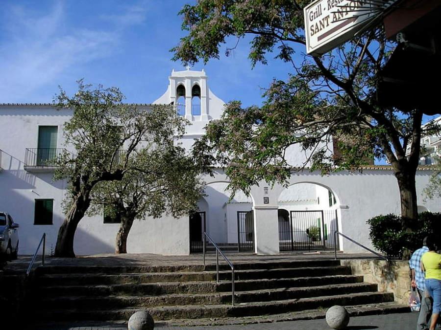 Iglesia de San Antonio Abad, fundada en 1385