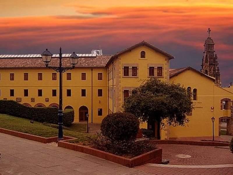 Convento de Santa Clara al atardecer