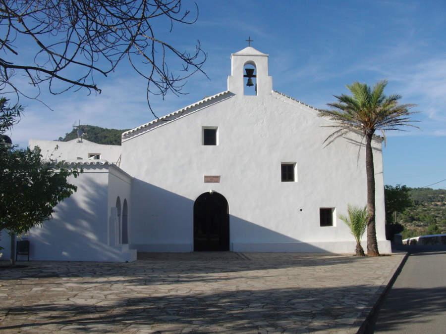 Iglesia de la comunidad de San Vicente cerca de San Juan Bautista