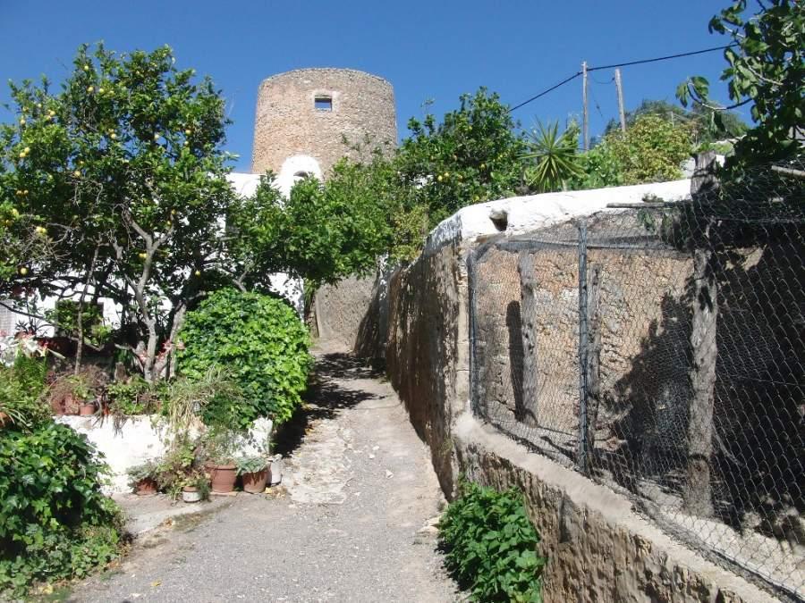 Torre de Balàfia en el municipio de San Juan Bautista