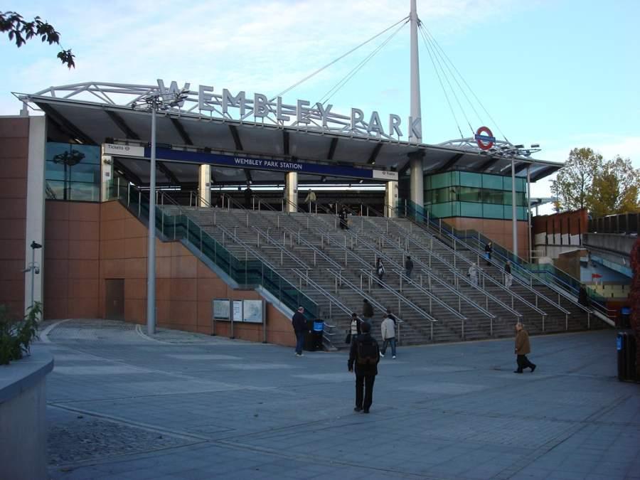 Entrada de la estación de tren Wembley Park