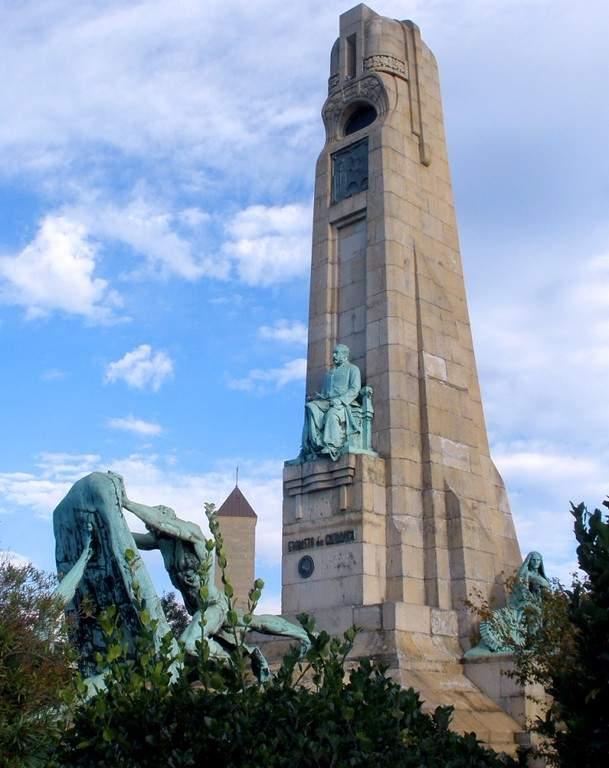 Monumento a Evaristo Charruca en Getxo
