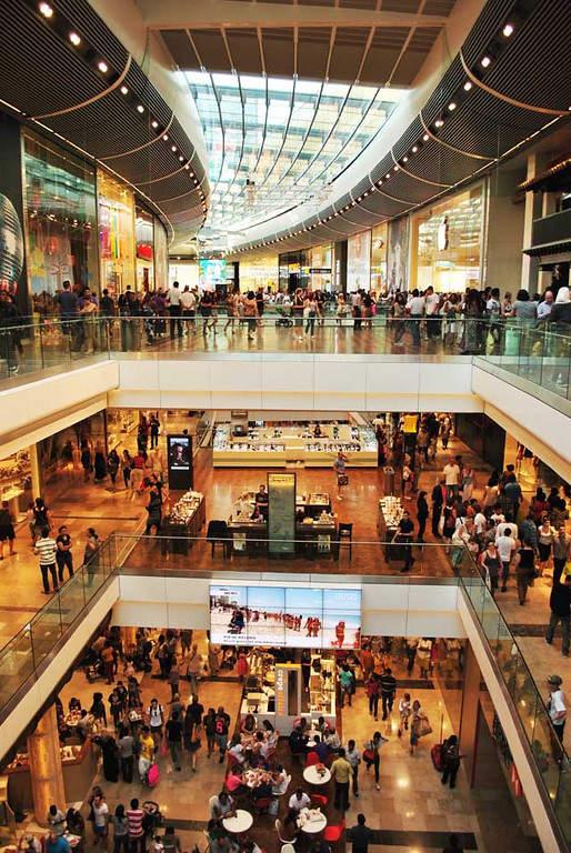 Interior del centro comercial Westfield Stratford City