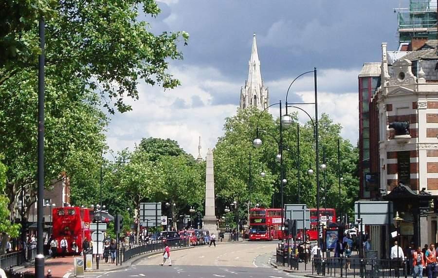 Toma la foto del Monumento Fuente de Agua de Gurney en Stratford