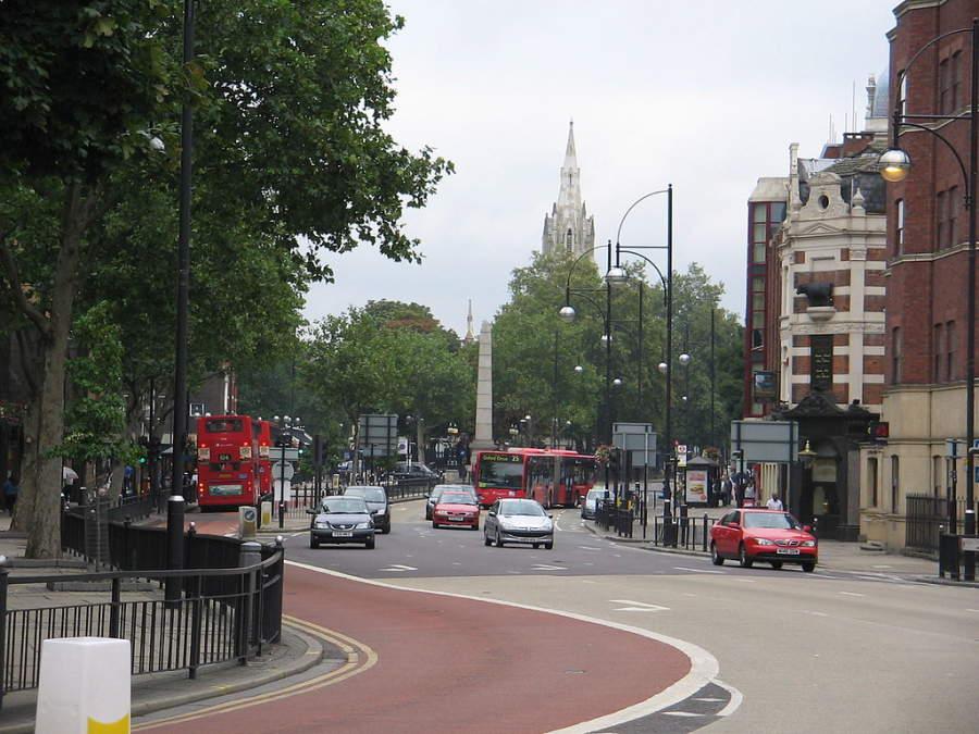 Avenida en la ciudad de Stratford