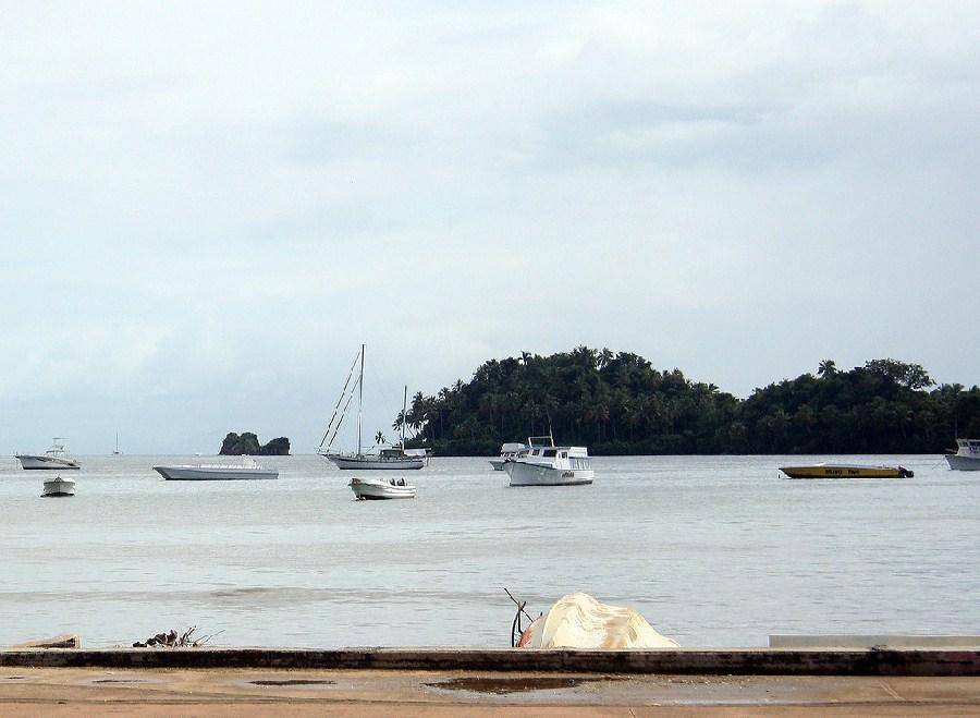 Embarcaciones en Samaná