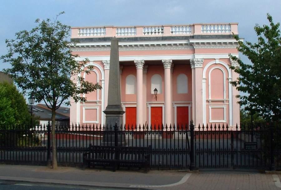 Iglesia en Holywood