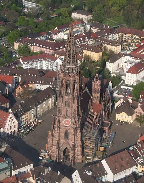 Maravíllate con la Catedral de Friburgo