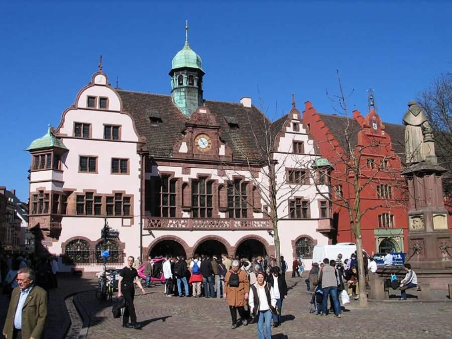 Visita el Nuevo Ayuntamiento y el Viejo Ayuntamiento en Friburgo