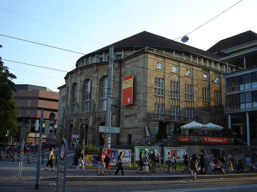 Entra al Teatro de Friburgo