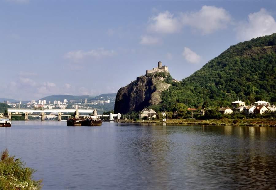 El Castilllo Strekov es una importante atracción turística