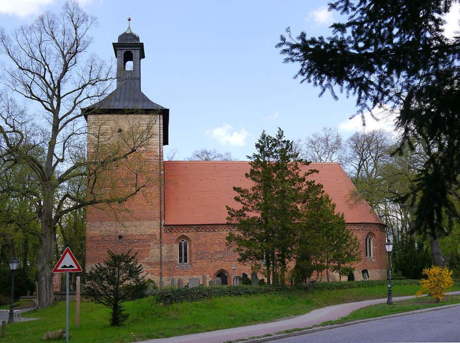 Iglesia del pueblo Dorfkirche en Kleinmachnow