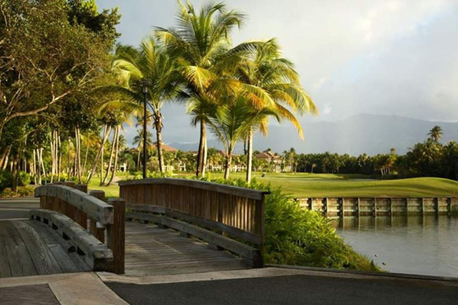 Vistas del club de golf Bahia Beach Resort & Golf Club