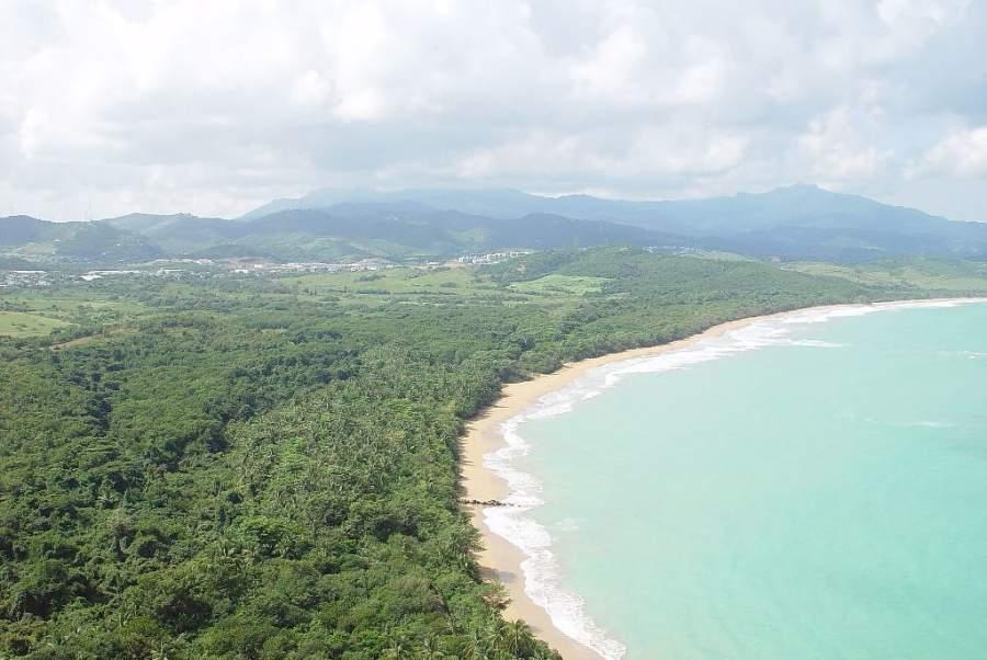 Bosque Nacional El Yunque y la costa de Río Grande