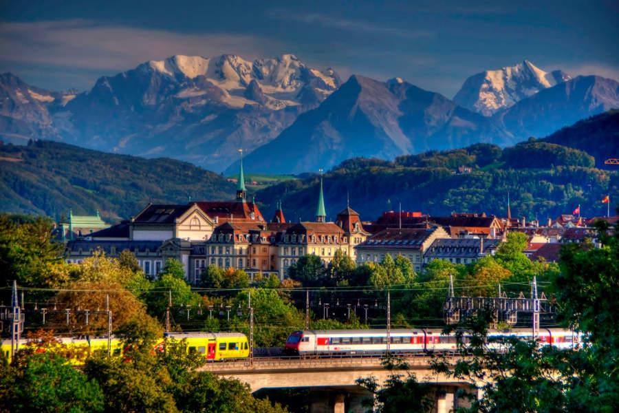 Berna y al fondo los Alpes Suizos
