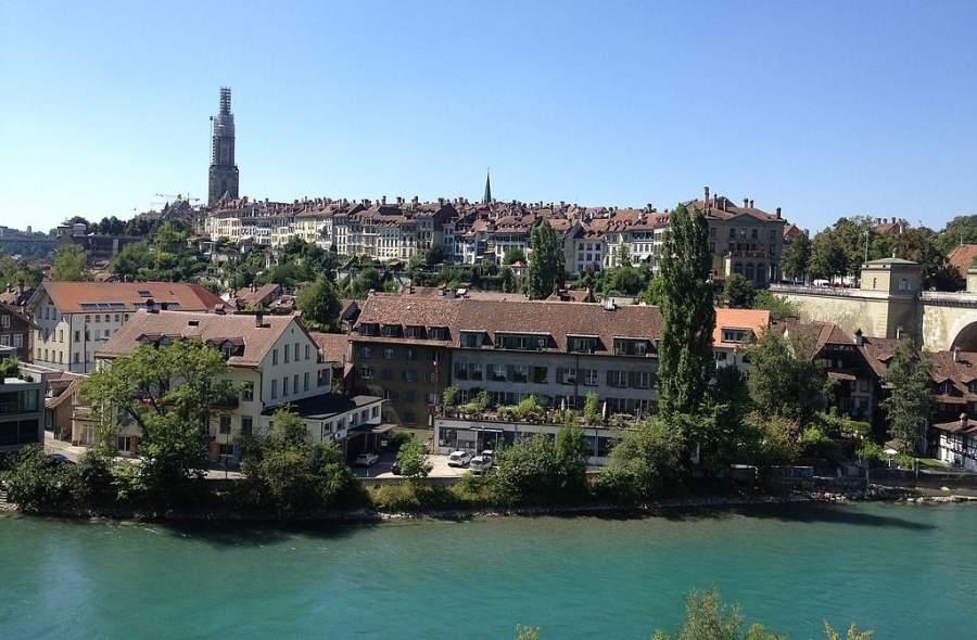 Berna se ubica a orillas del río Aare