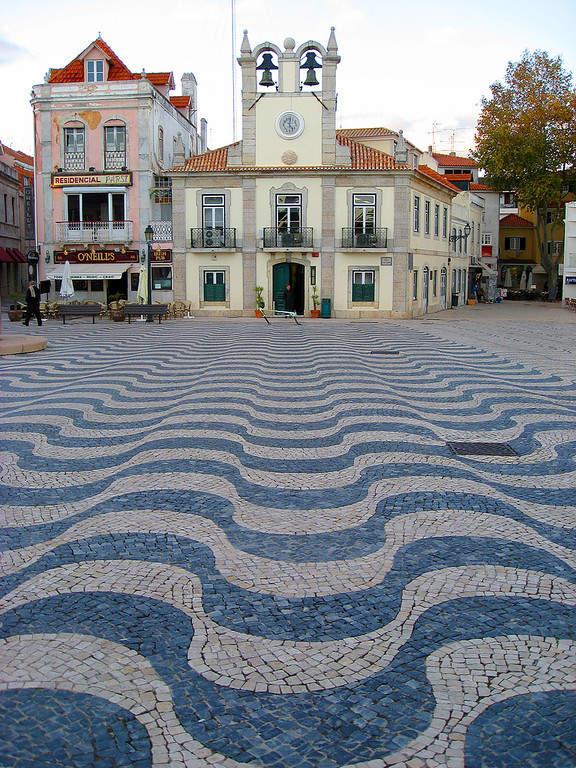 Cascais es una villa portuguesa localizada 25 kilómetros al oeste de Lisboa