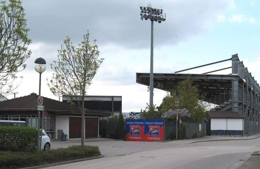 Exterior de las instalaciones del club deportivo Spelvereinigung Unterhaching
