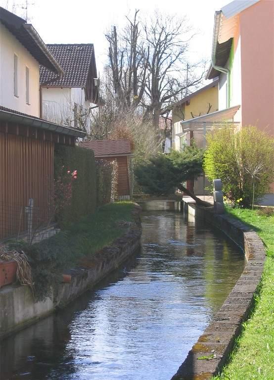 Arroyo que cruza la comunidad de Unterhaching