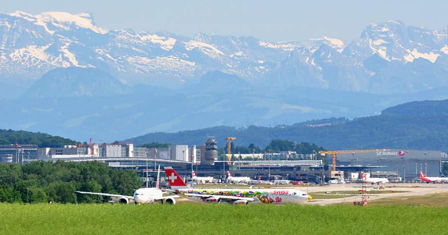 Paisaje de los Alpes visto desde Rümlang