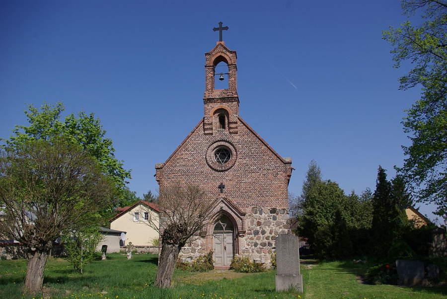 Schönefeld es un municipio que comprende varias parroquias