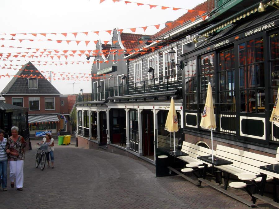 Comercios en Volendam