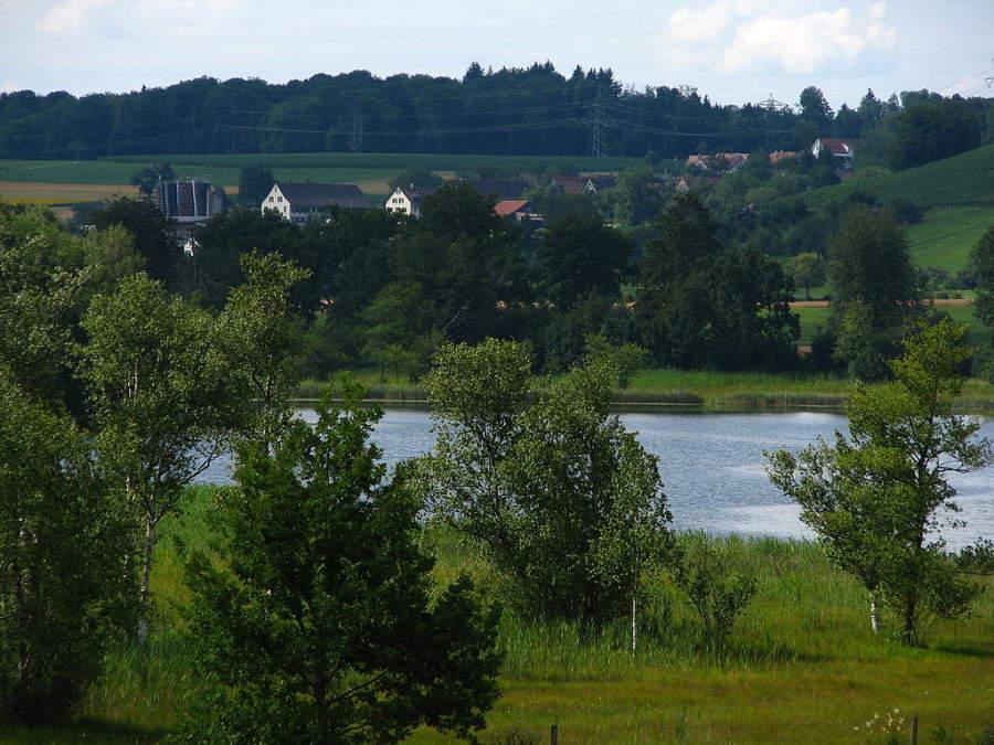 Regensdorf se ubica a orillas del lago Katzensee