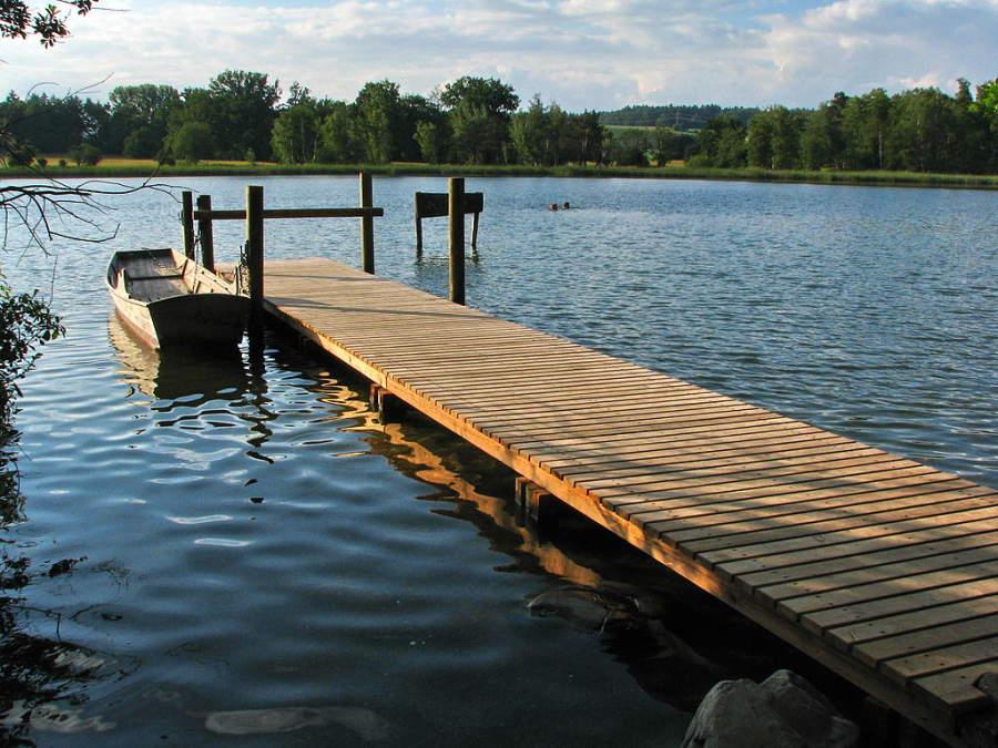 El lago Katzensee es un importante sitio turístico
