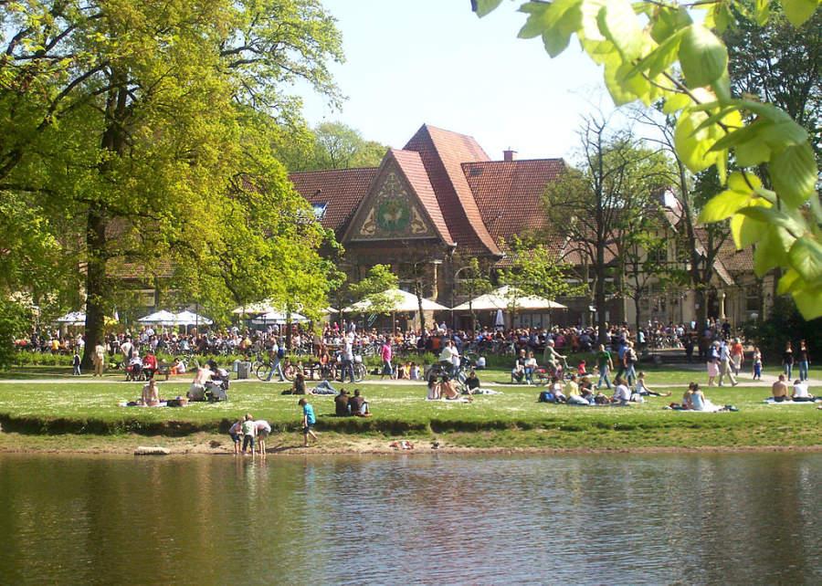 Bosque urbano Stadtwald en Krefeld