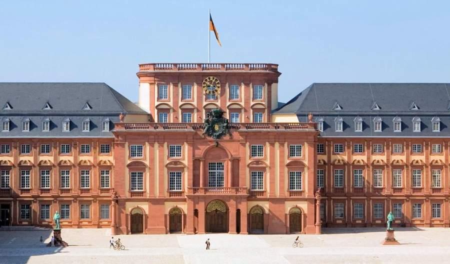 El Palacio de Mannheim es uno de los más grandes de Europa