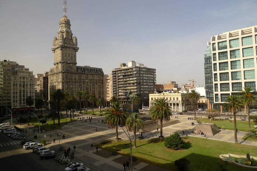 Plaza Independencia en Montevideo