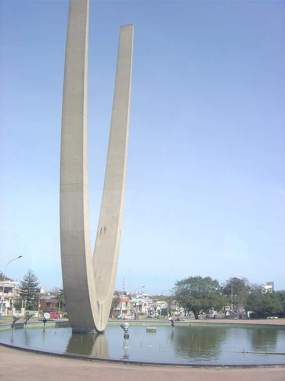 Monumento a Luis Battle Berres en Montevideo
