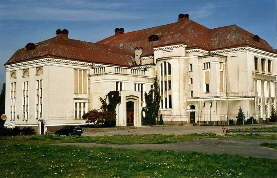 Entra al Museo Regional de Historia y Arte de Kaliningrado