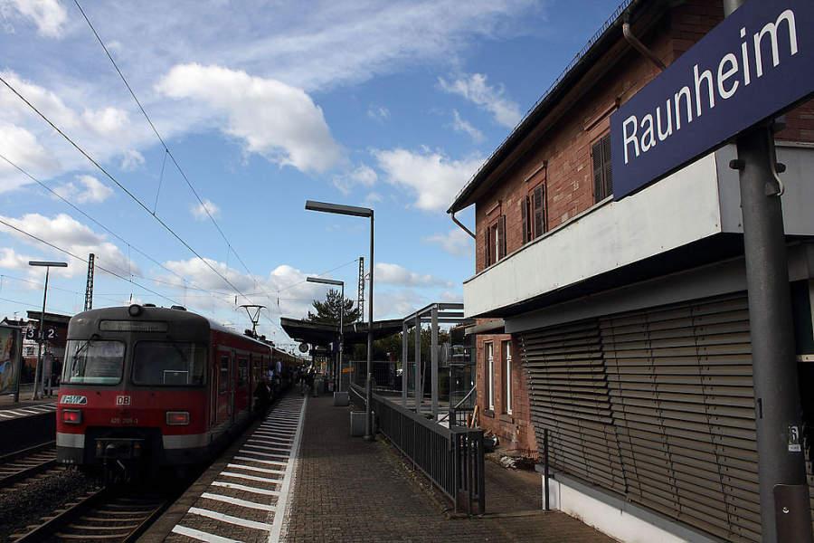 Estación de tren en Raunheim