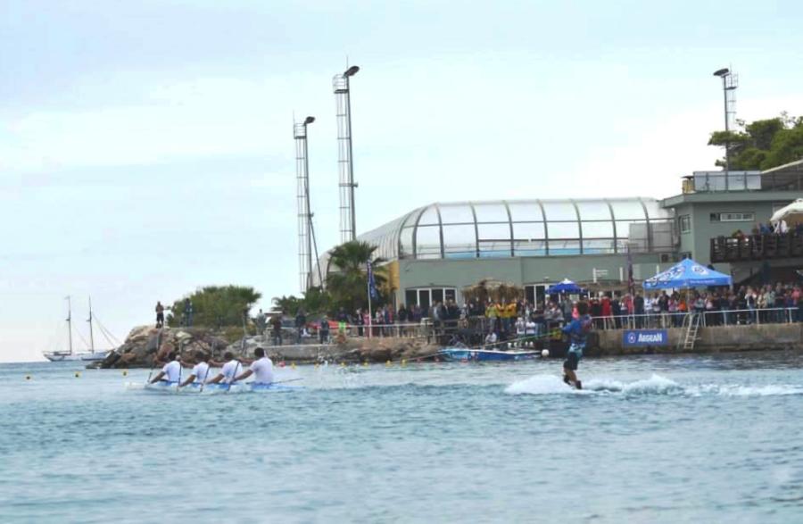 En el Club Náutico de Vouliagmeni se pueden practicar diversos deportes acuáticos