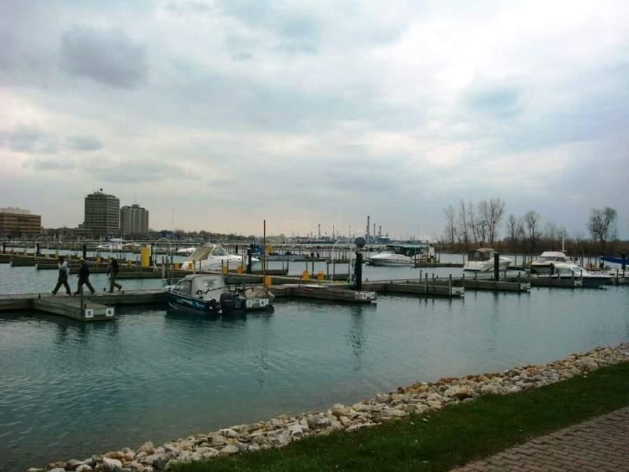 Vista del puerto en Sarnia