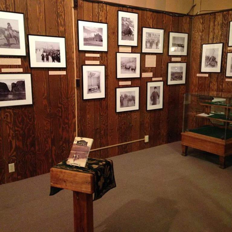 Exposición de fotos en el Museo de Riverton