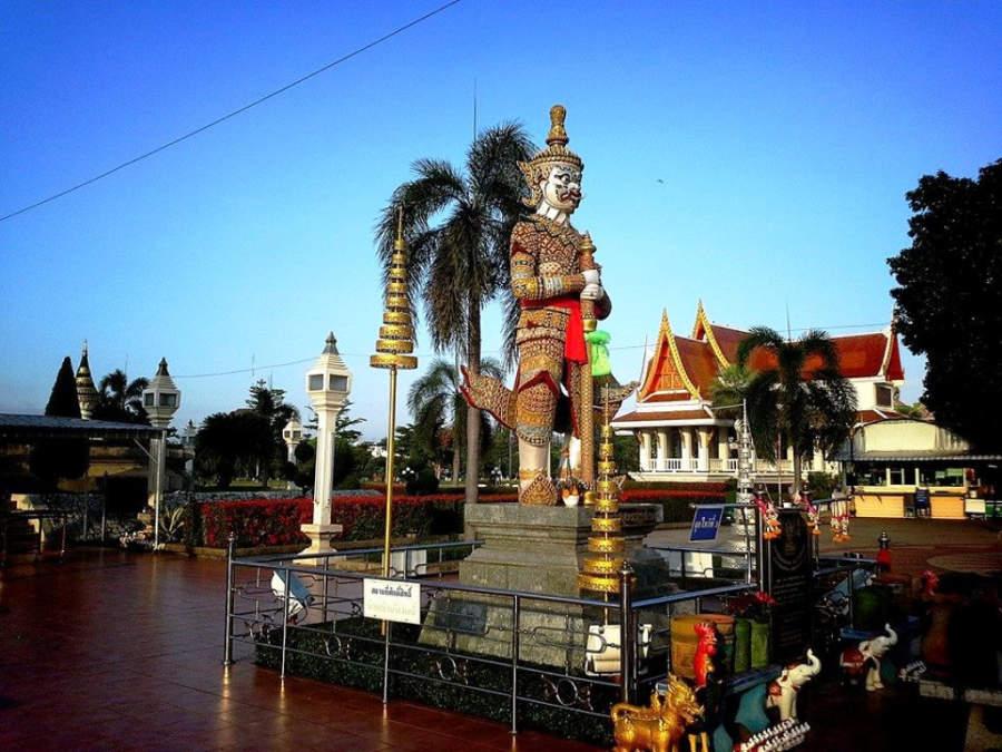 Visita el Santuario Pillar en Udon Thani