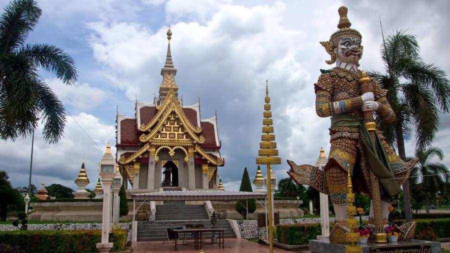 La gente cree que residen los guardianes de Udon Thani en el Santuario Pillar