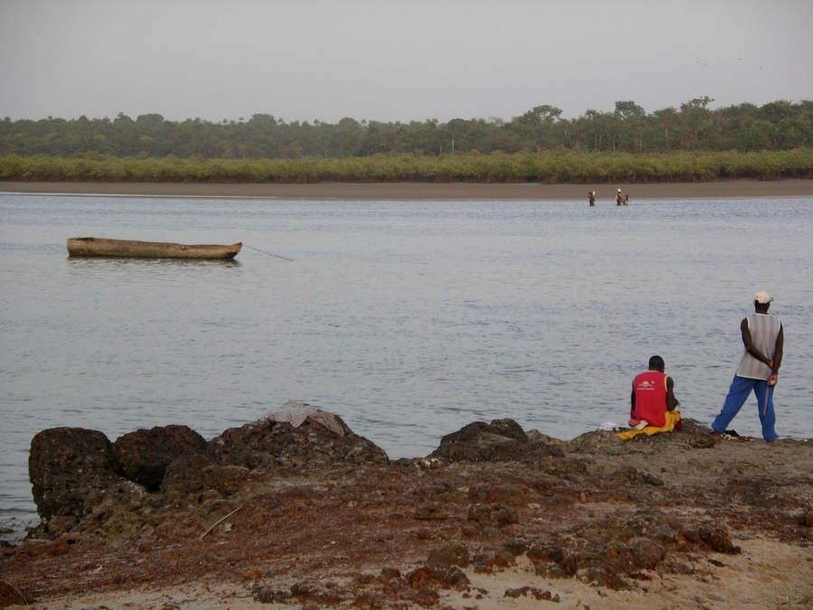Paisaje del río en Bisáu