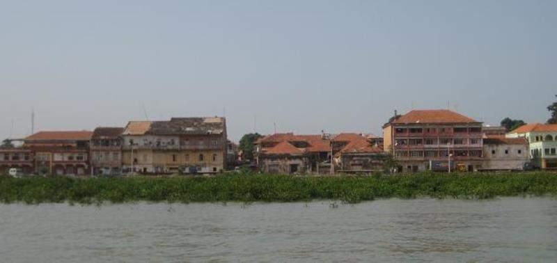 Bisáu se encuentra en la desembocadura del río Geba