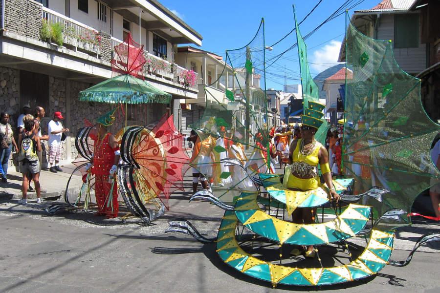 En Roseau se realizan varias festividades, incluyendo el carnaval