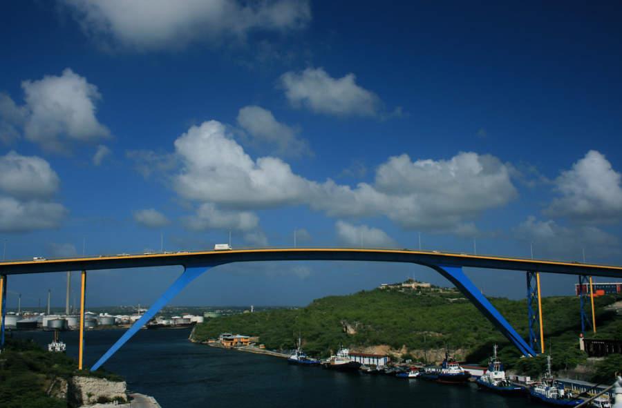 Puente Koningin Julianabrug en Willemstad