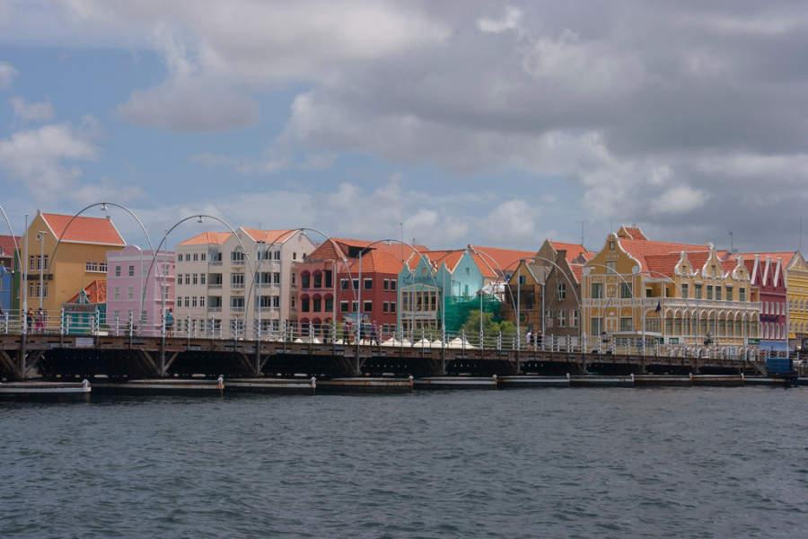 Puente Koningin Emmabrug en Willemstad