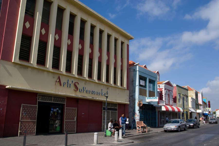 Arti'Supermarket en Willemstad