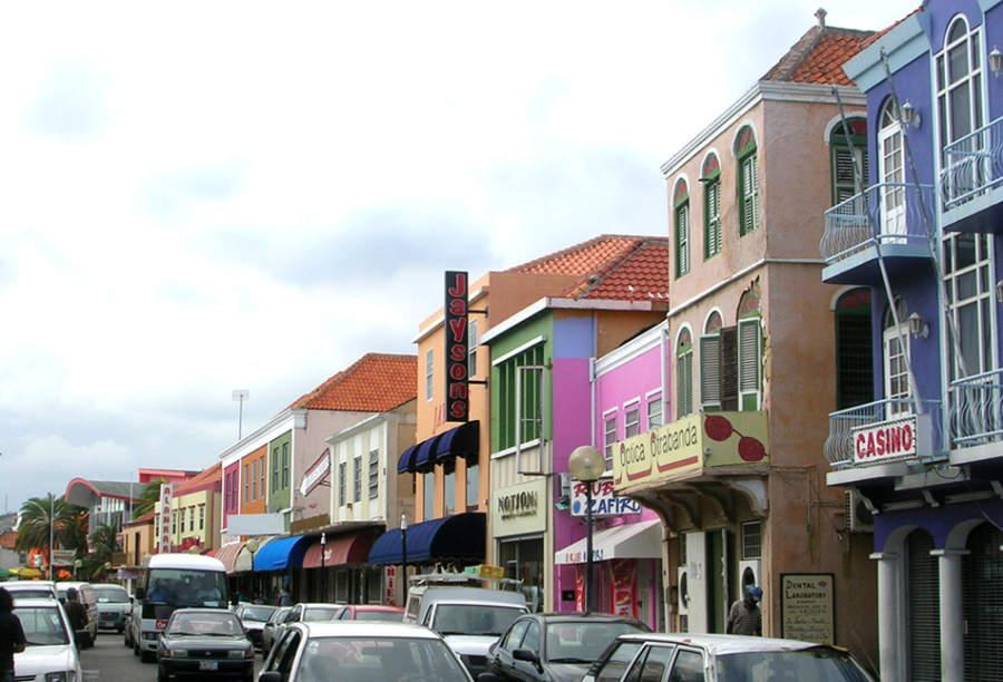 Comercios en el distrito de Otrobanda en Willemstad