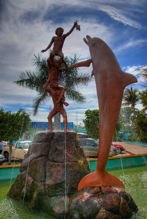 Monumento en el Acuario Mazatlán